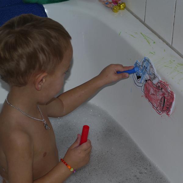 Фигуристка писает в туалете, порно ххх видео кончает девушка